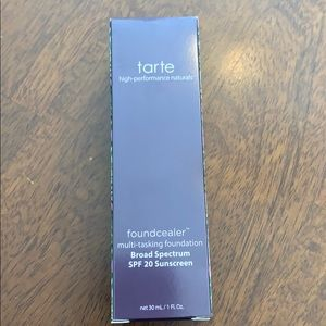 Tarte Foundcealer 22B light beige